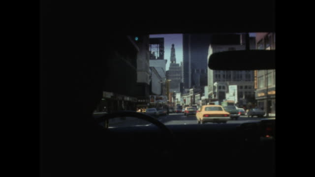 vidéos et rushes de taxi pov driving down road in central new york; 1971 - taxi