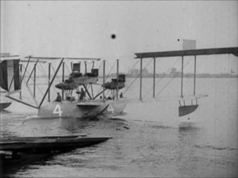 nc4 nc4 taxiing on water wwi - 1914 stock-videos und b-roll-filmmaterial