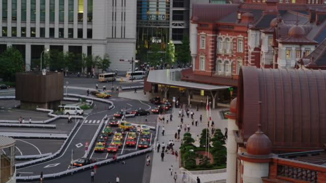 Taxis waiting for Passengers in front of Tokyo Station