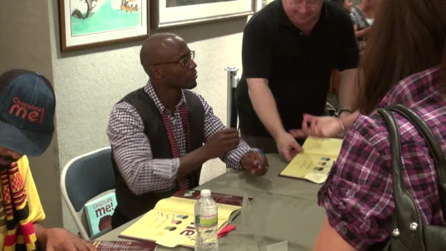 Taye Diggs signing his book CHOCOLATE ME at Books of Wonder in New York 09/28/11