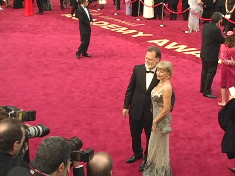 Taylor Hackford and Helen Mirren at the 77th Annual Academy Awards Arrivals at Kodak Theatre in Hollywood CA