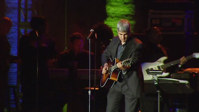 taylor hicks performs at the bmg us president charles goldstuck honored at the city of hope's spirit of life award gala at pacific design center in... - taylor hicks stock videos & royalty-free footage