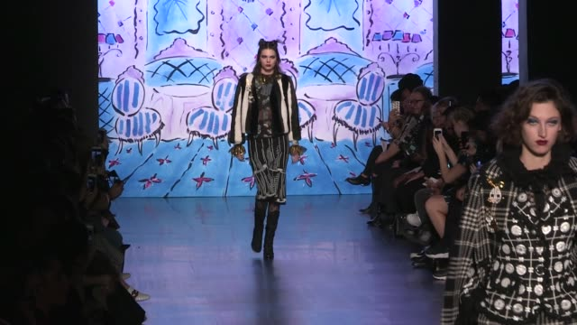 Taylor Hill Gigi Bella Hadid Kendall Jenner and their fellow Models on the runway for the Anna Sui Ready To Wear fall winter 2017 fashion show in New...