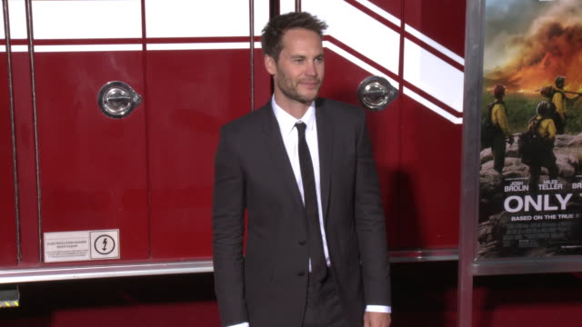 taylor kitsch at the only the brave premiere at regency village theatre on october 08 2017 in westwood california - only the brave 2017 film stock videos & royalty-free footage