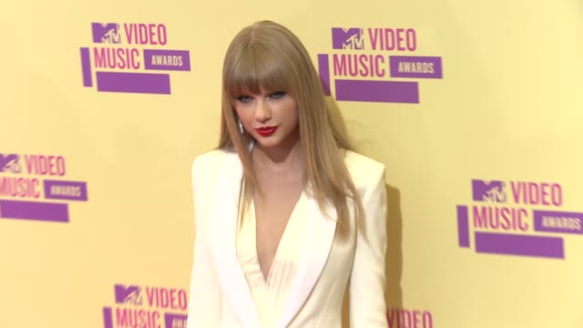 taylor swift at 2012 mtv video music awards on 9/6/2012 in los angeles ca - 2012 stock videos & royalty-free footage