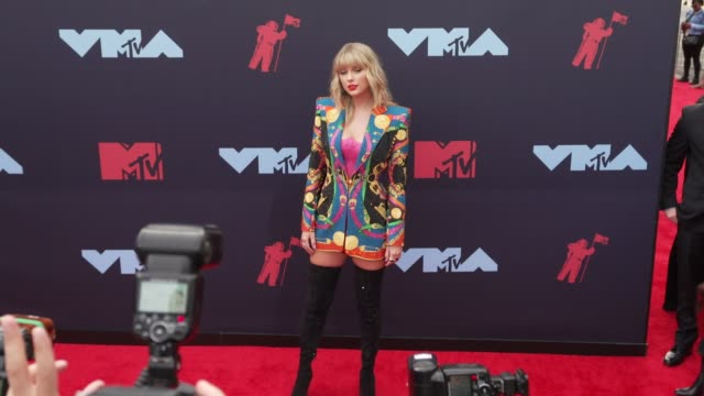 taylor swift at 2019 mtv video music awards at prudential center on august 26 2019 in newark new jersey - mtv点の映像素材/bロール