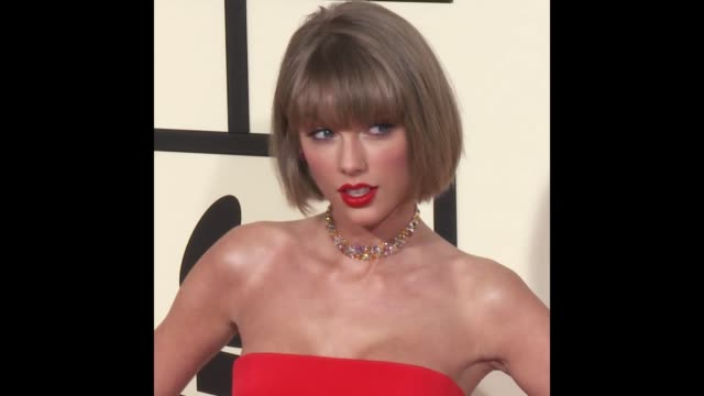 GIF Taylor Swift at 58th Annual GRAMMY Awards® Arrivals