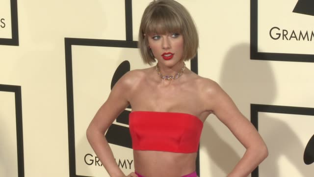 vídeos de stock e filmes b-roll de taylor swift at 58th annual grammy awards® at staples center on february 15, 2016 in los angeles, california. - prémios grammy