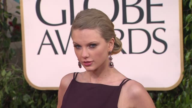 taylor swift at 70th annual golden globe awards arrivals on 1/13/13 in los angeles ca - golden globe awards stock videos & royalty-free footage