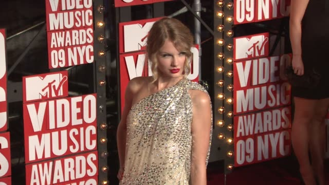 taylor swift at the 2009 mtv video music awards at new york ny - 2009 stock videos & royalty-free footage
