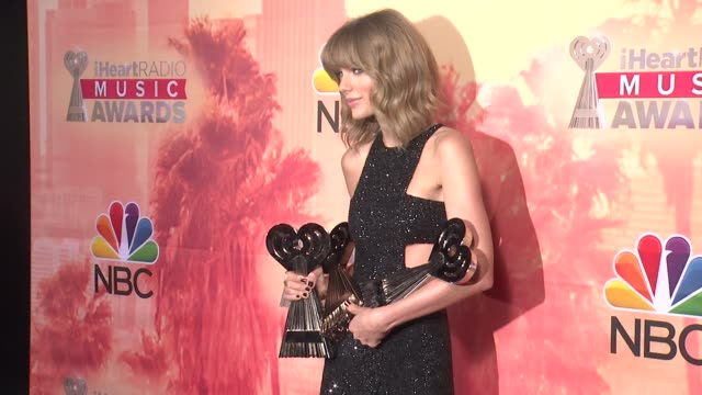 taylor swift at the 2015 iheartradio music awards - press room at the shrine auditorium on march 29, 2015 in los angeles, california. - shrine auditorium stock videos & royalty-free footage