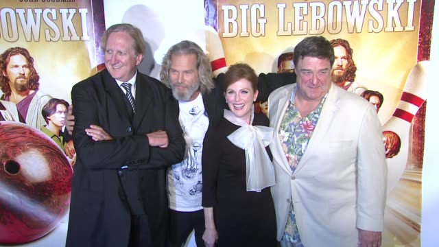 bone burnett, jeff bridges, julianne moore and john goodman at the 'the big lebowski' blu-ray release at new york ny. - ジュリアン・ムーア点の映像素材/bロール