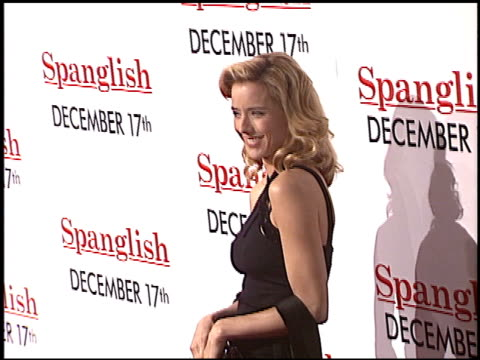 vídeos y material grabado en eventos de stock de tea leoni at the 'spanglish' premiere on december 9 2004 - tea leoni