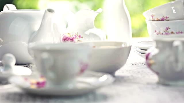vídeos de stock, filmes e b-roll de hora do chá - cultura inglesa