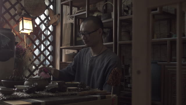 vídeos y material grabado en eventos de stock de tea time - té bebida caliente