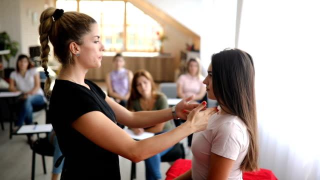 teacher explaining on student human anatomy - alternative therapy stock videos & royalty-free footage