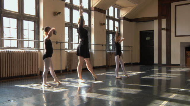 ws slo mo teacher teaching free form dancing to her students (4-5) in ballet studio / chicago, illinois, usa - ballet studio stock videos and b-roll footage