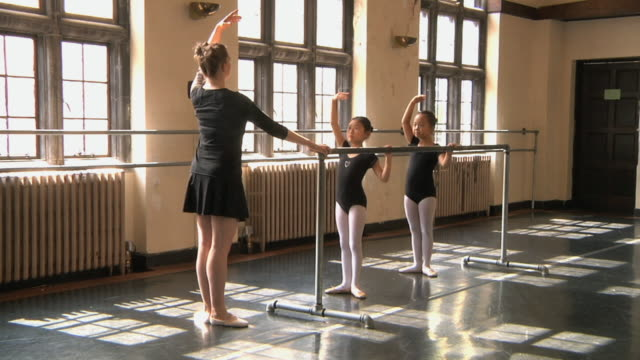 ws slo mo teacher training students (6-7) with barre / chicago, illinois, usa - barre stock videos and b-roll footage