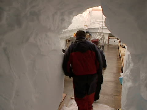 team entering the ice core drill tent, berkner island in the filchner-ronne ice shelf, antarctica. - drill stock videos & royalty-free footage