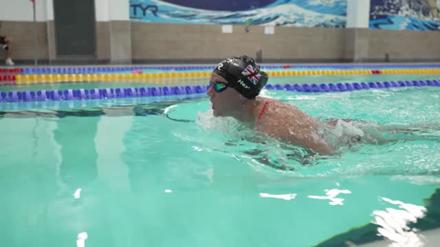 team gb paralympian suzanna hext training in a pool for the games in tokyo - persons with disabilities stock videos & royalty-free footage
