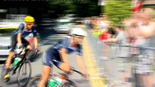 team gb preparations for games england surrey ext bradley wiggins mark cavendish andf other team gb road cyclists training on box hill circuit - サリー州 ボックスヒル点の映像素材/bロール