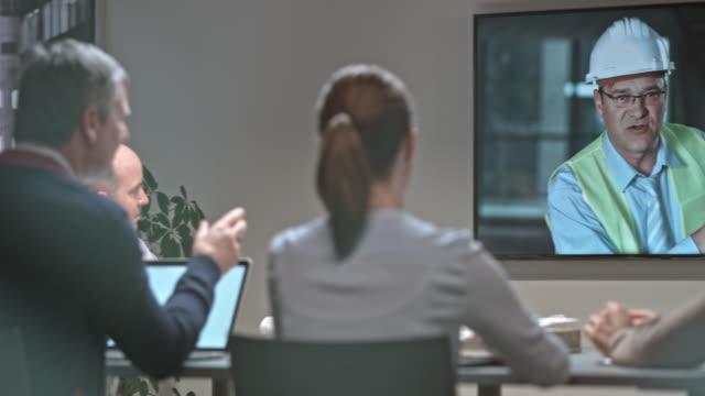 SLO-MO-DS-Team von Architekten Bereitschaftsdienst eine Videokonferenz mit den Kollegen