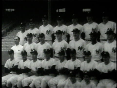 team photo of the 1960 new york yankees / casey stengel - チーム写真点の映像素材/bロール
