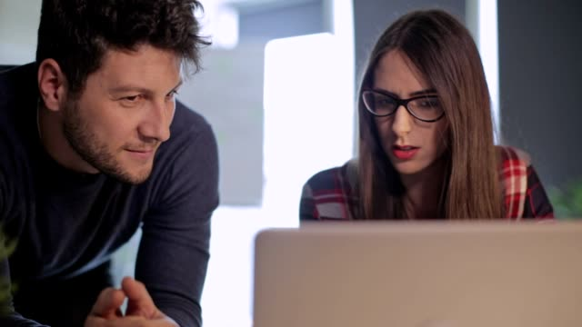 teamwork at the office - employee engagement stock videos & royalty-free footage