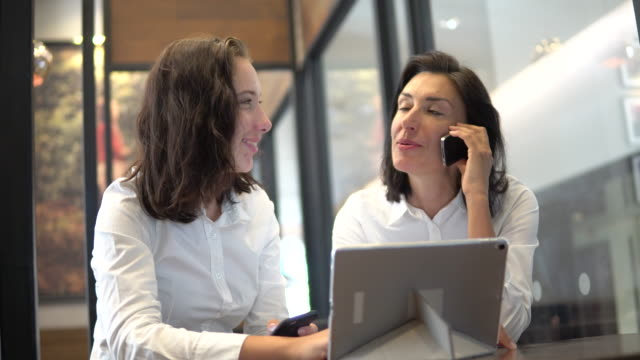 teamwork business meeting - bank manager stock videos & royalty-free footage