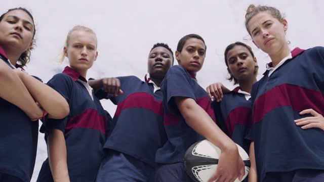 lagarbete är allt i varje lagsport - rugby sport bildbanksvideor och videomaterial från bakom kulisserna
