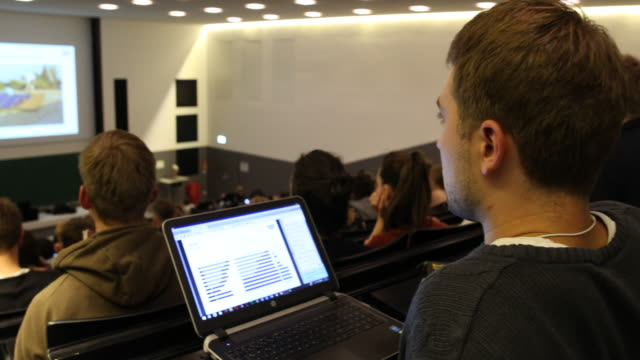 technical university munich -lecture hall - lernen stock-videos und b-roll-filmmaterial