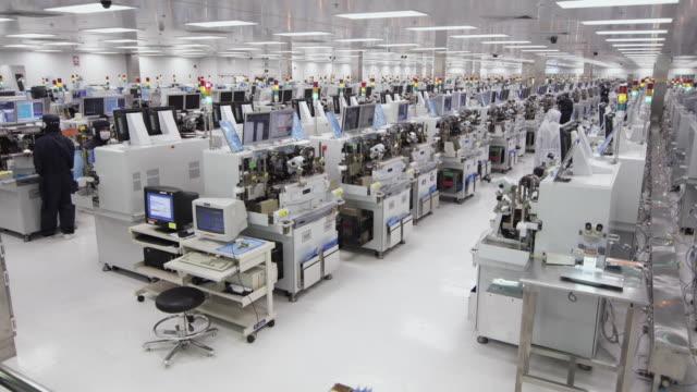 WS Technicians at work manufacturing Semiconductors / Bang Pa-In, Ayutthaya, Thailand