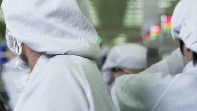 CU PAN Technicians working on manufacturing Semiconductors / Bang Pa-In, Ayutthaya, Thailand