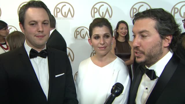 vidéos et rushes de teddy schwarzman, ido ostrowsky, nora grossman on the imitation game being nominated at 26th annual producers guild awards in los angeles, ca 1/24/15 - producer's guild of america awards