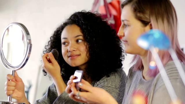 Teen makeup help close    TEE