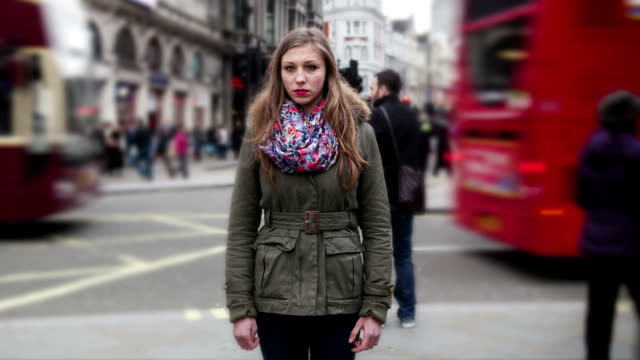 teenage girl lost in the big city of london - loneliness stock videos & royalty-free footage