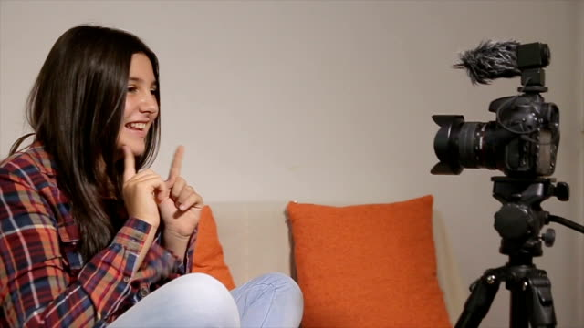 teenage girl young freelancer,vlogging - cinemanis videography stock videos & royalty-free footage