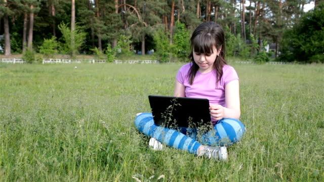 teens using social media - only teenage girls stock videos & royalty-free footage