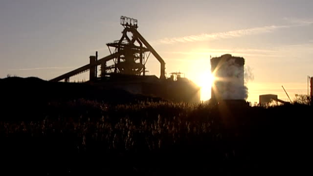 teesside redcar ext long shot steel workers at entrance to blast furnace general view corus steelworks kirby adams press conference sot decision... - blast furnace stock videos & royalty-free footage