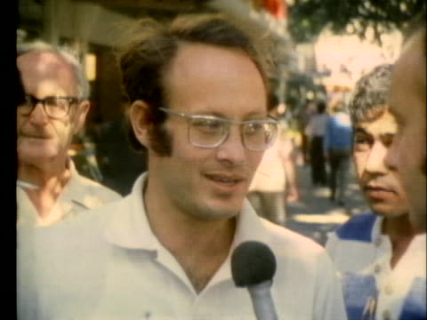 vidéos et rushes de tel aviv citizens criticize the west german release of arab terrorists who were responsible for the munich massacre of israeli olympic athletes - 1972