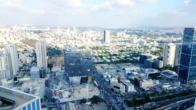 skyline von tel aviv und verkehr von oben - tel aviv stock-videos und b-roll-filmmaterial