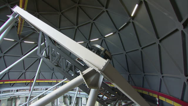 td telescope rotating inside of observatory and slowing to a stop / karoo, south africa - karoo stock videos & royalty-free footage