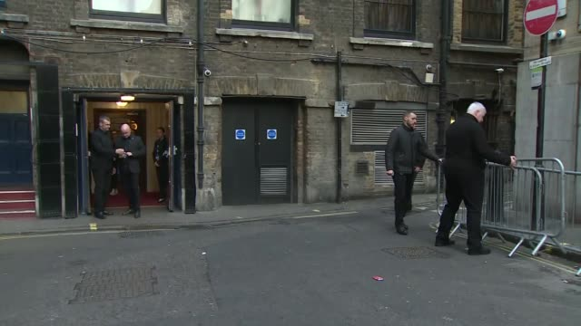 stockvideo's en b-roll-footage met ant mcpartlin and declan donnelly arriving to london palladium england london london palladium ext ant mcpartlin and declan donnelly out of car... - declan donnelly