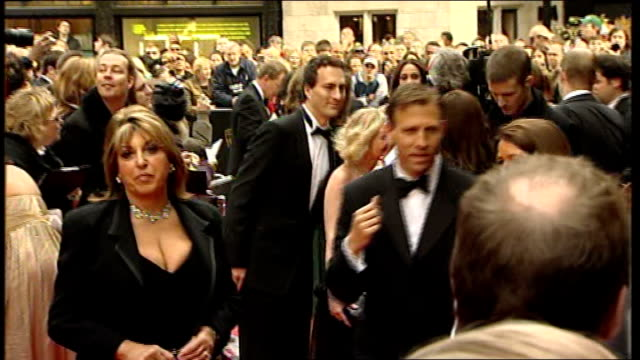 celebrity red carpet arrivals simon pegg speaking to press /back view joanna page and partner posing on red carpet / patrick duffy arriving /... - simon pegg stock videos & royalty-free footage