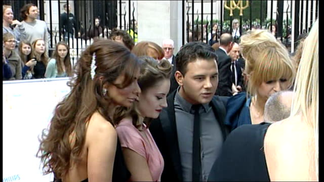 television awards 2011 actors from 'coronation street' photocall on red carpet - コロネーションストリート点の映像素材/bロール
