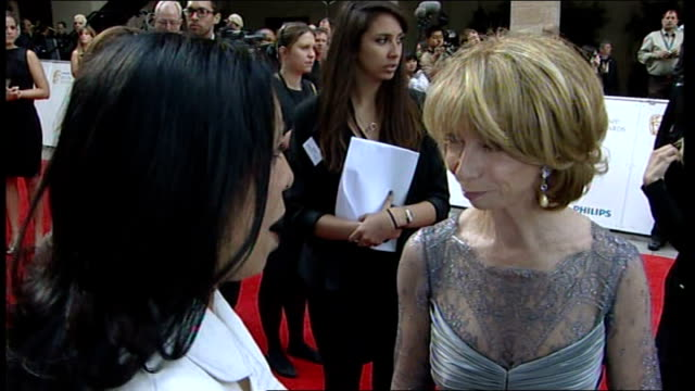 television awards 2011: red carpet arrivals; steve coogan speaking to reporter steve coogan interview sot - on being nominated for a bafta / on... - フィリップ スコフィールド点の映像素材/bロール