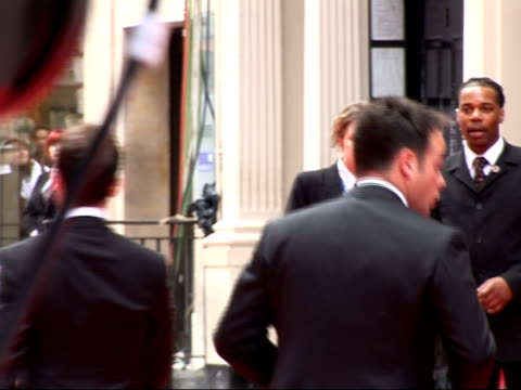 stockvideo's en b-roll-footage met red carpet arrivals and interviews fans / ant dec along on red carpet / andy serkis along on red carpet / ant and dec along on red carpet - declan donnelly