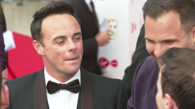 stockvideo's en b-roll-footage met bafta television awards 2019 red carpet arrivals england london royal festival hall ext ant and dec speaking to press - ant mcpartlin