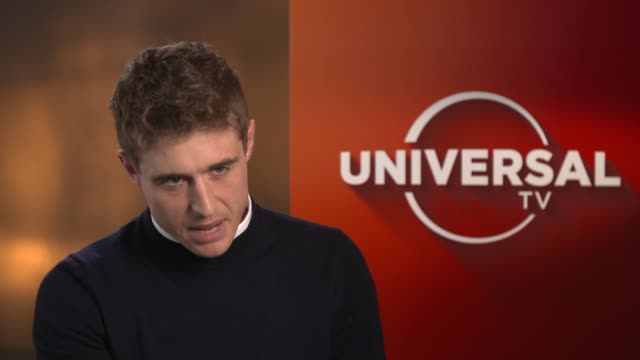 condor max irons interview england london int max irons interview about new thriller series 'condor' sot on what the show is about on why he wanted... - rovfågel bildbanksvideor och videomaterial från bakom kulisserna