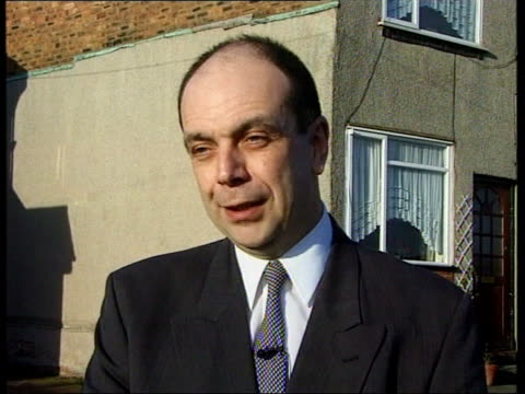 'coronation street' star jailed; england: manchester: brian park intvwd sot - people can relate to trials, like oj simpson's, and we're using a well... - brian wells stock videos & royalty-free footage